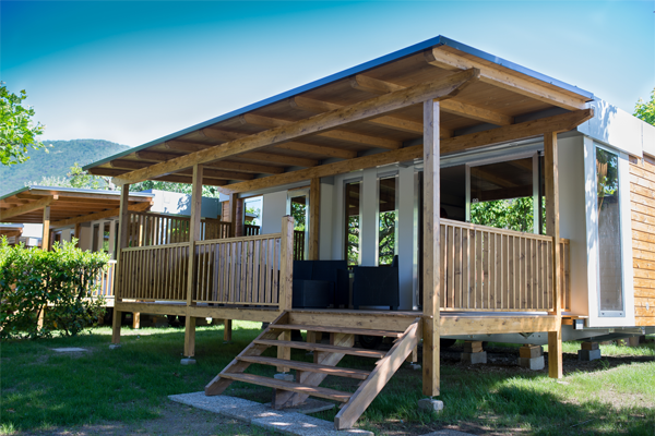 MOBIL HOMES : Comfort and services in an incomparable green oasis